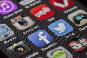 multiple social meda apps on ap hone